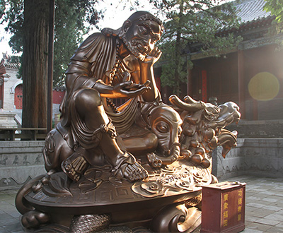Largest bronze statue of Bodhidharma on a dragon turtle